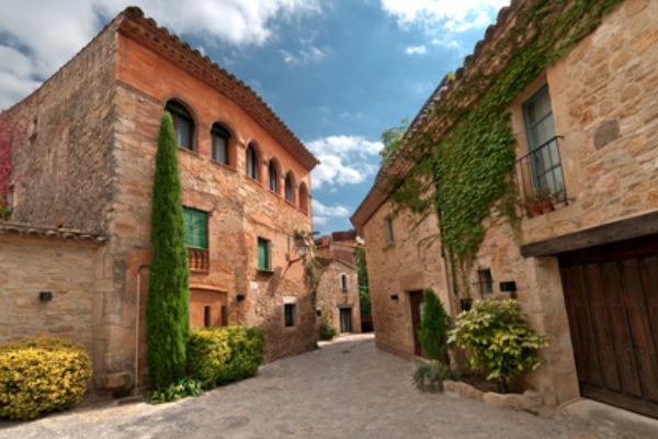 Middeleeuwse dorpjes in de omgeving van l'Estartit